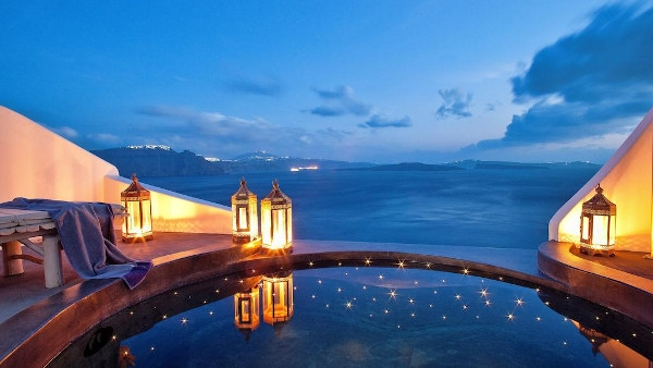 Luxury Hotels in Oia Santorini - Andronis Luxury Suites