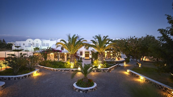 Santorini Luxury Hotels in Kamari - Kastelli Resort