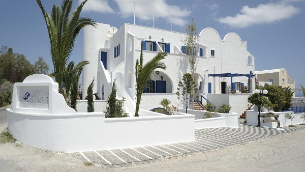 Santorini Studios Apartments in Fira - Hotel Solaris