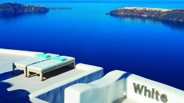 Imerovigli Santorini Hotels - White Suites & Apartments